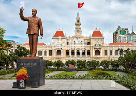 Ho Chi Minh Statue in front of People's Committee Building (City Hall). Nguyen Hue Street, District 1, Ho Chi Minh - Stock Photo