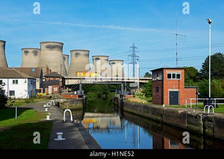 Cooling towers, Ferrybridge Power Station, West Yorkshire, England UK - Stock Photo