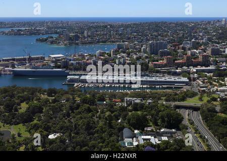 The Finger Wharf or Woolloomooloo Wharf is a wharf in Woolloomooloo Bay, Sydney, Australia. - Stock Photo
