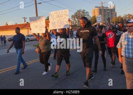 Mooresville, North Carolina, United States, 23 September, 2016. Protesters peacefully marching in the streets of - Stock Photo