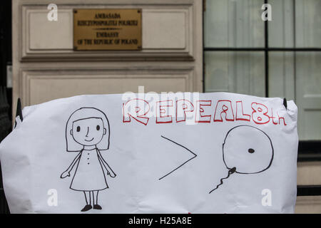 London, UK. 24th September, 2016. A poster used by Polish women's groups and supporters gathering outside the Polish - Stock Photo