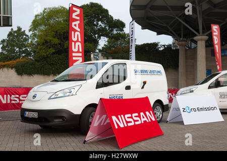 Nissan e-NV200 electric delivery van - Stock Photo