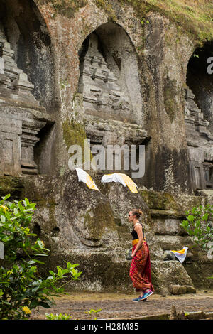 Indonesia, Bali, Tampaksiring, Gunung Kawi, rock cut candi shrines dedicated to King Anak Wungsu - Stock Photo