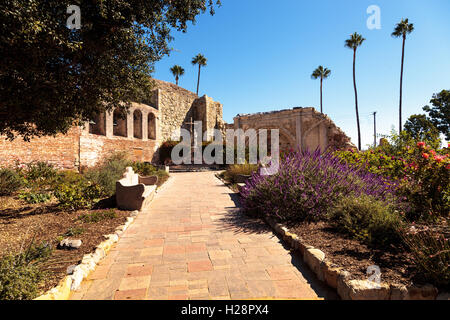 San Juan Capistrano, CA, USA —September 25, 2016: Statue of  Fray Junipero Serra at the Mission San Juan Capistrano - Stock Photo