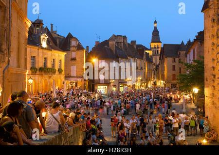 la place de la Liberte  in the old town of Sarlat,  Dordogne, France - Stock Photo