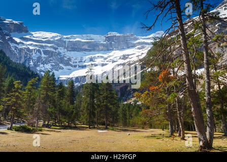 Gavarnie glacier cirque.  Hautes-Pyrenees department, Midi-Pyrenees region, France, Europe. - Stock Photo