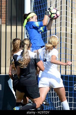 Washington, DC, USA. 25th Sep, 2016. 20160825 - Providence goalkeeper KRISTYN SHEA (99) elevates for a save against - Stock Photo