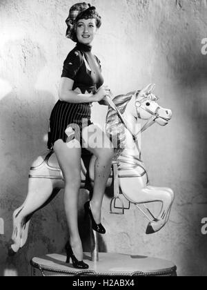 DOROTHY LAMOUR (1914-1996) US film actress about 1940 - Stock Photo