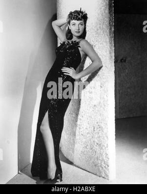 DOROTHY LAMOUR (1914-1996) US film actress in 1942 - Stock Photo