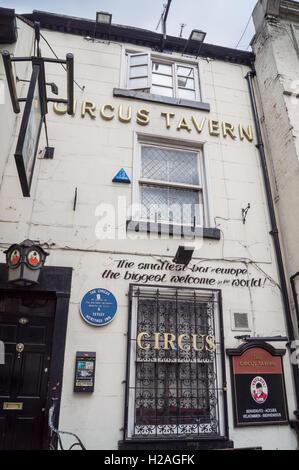 Circus Tavern pub, Portland Street, Manchester, England - Stock Photo