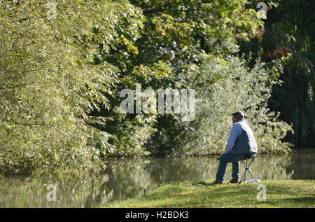 Fishing in late summer, Barcombe Mills, East Sussex - Stock Photo
