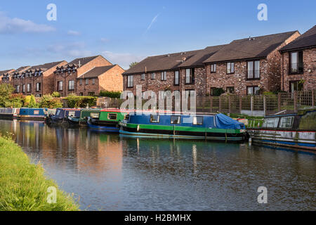 Narrowboats on the Bridgewater Canal in Lymm, Cheshire, UK - Stock Photo