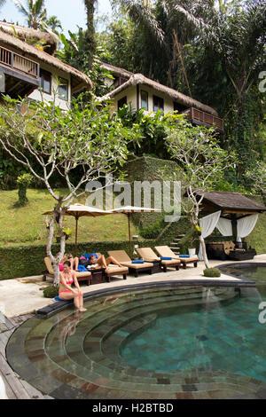 Indonesia, Bali, Susut, Payangan, Nandini Jungle Resort and Spa hotel swimming pool - Stock Photo
