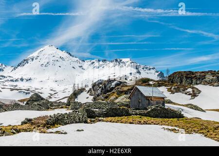 Mountain landscape with cottage, snow, Rohrmoos-Untertal, Schladming Tauern, Schladming, Styria, Austria - Stock Photo