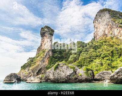Chicken island near Railay beach in Krabi province in the Andaman sea in south Thailand. - Stock Photo
