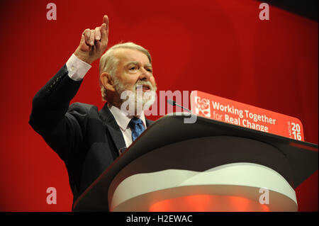 Liverpool, England. 27th September, 2016.  Paul Flynn, Shadow Leader of the House, delivers a speech during the - Stock Photo