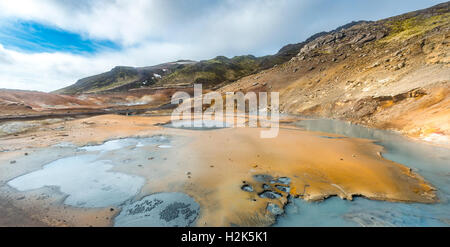 Steaming ground, Seltún geothermal area, Krýsuvík volcanic system, Reykjanesfólkvangur conservation area, Iceland - Stock Photo