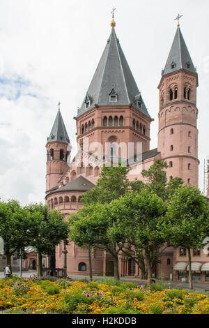 St Martins Cathedral, Mainz, Rhineland Palatinate, Germany - Stock Photo