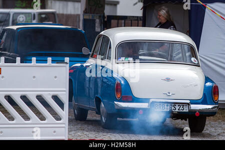 Schwerin, Germany. 30th Sep, 2016. A Wartburg 311 from the 1950s enters the grounds of the former vehicle maintenance - Stock Photo