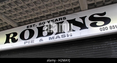 Robins traditional Pie & Mash, Ilford Essex, Greater London, England - Stock Photo