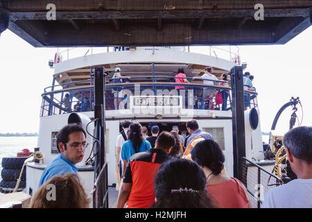 Toronto Centre Island Ferry - Stock Photo