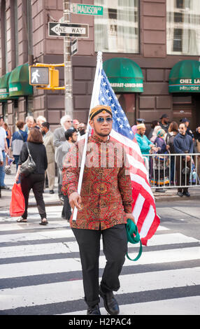 Muslims from the tri-state area gather on Madison Avenue  in New York on Sunday, September 25, 2016 for the American - Stock Photo