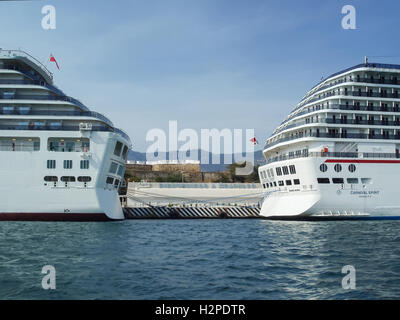 ACAPULCO, MEXICO - MARCH 11, 2006 : Two cruise ships docked in Acapulco bay in Acapulco, Mexico. - Stock Photo