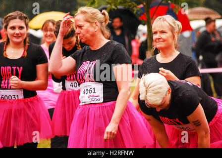 London, UK. 1st October, 2016. Pretty muddy Cancer research  5k charity run London Credit:  Philip Robins/Alamy - Stock Photo