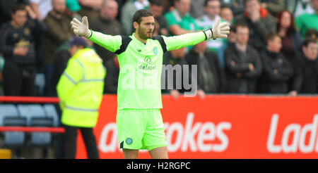 Dens Park, Dundee, Scotland. 01st Oct, 2016. Scottish Premier League Football. Dundee versus Celtic. Craig Gordon - Stock Photo