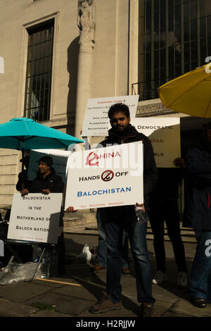 London, UK. 1st October 2016. The Free Baloch Movement stage a protest opposite the Chinese Embarry in London accusing - Stock Photo