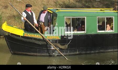 Wey & Arun Canal Trust 200-Year Anniversary - 'Zachariah Keppel' Narrowboat Giving Demonstration of Winding / Turning - Stock Photo