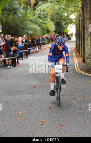 London, UK. 01st Oct, 2016. Maryka Sennema (Cycle Club Name), a cyclist competing in the Rollapaluza Urban Hill - Stock Photo