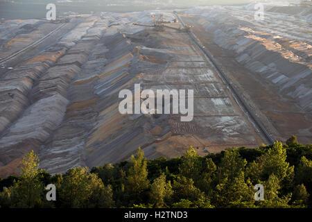 Tagebau Hambach surface mine, North Rhine-Westphalia, Germany. - Stock Photo