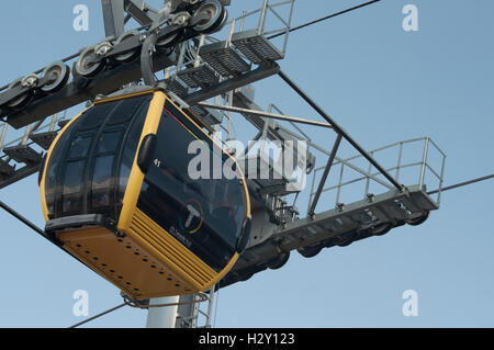 Mi Teleferico, the aerial cable-car system operating in La Paz since 2014 - Stock Photo