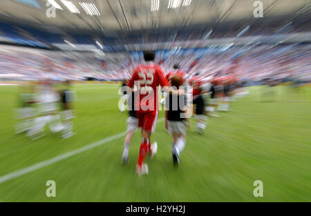 Teams walking on to the pitch, Liga total Cup 2010, League total Cup, match for third place between Hamburger SV - Stock Photo