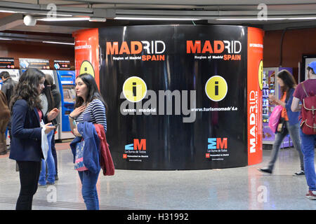Madrid, Spain. 22nd May, 2015. Residents and tourists stroll through Puerta del Sol metro station on a quiet evening - Stock Photo