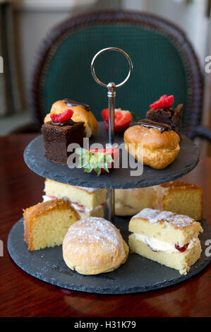 'Mill House Hotel', Swallowfield, Berkshire, UK. 'afternoon tea' cake cakes - Stock Photo