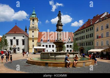 Altes Rathaus mit Stadtmuseum auf dem Hauptplatz in Bratislava, Westslowakei, Slowakische Republik - Stock Photo