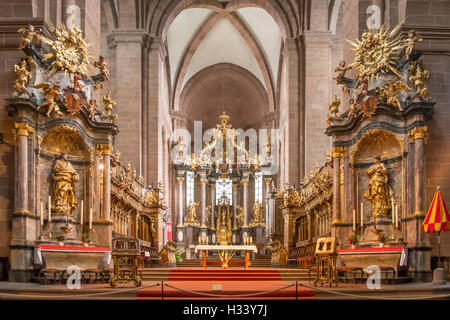 Chancel and Altar in St Peters Cathedral, Worms, Rhineland Palatinate, Germany - Stock Photo