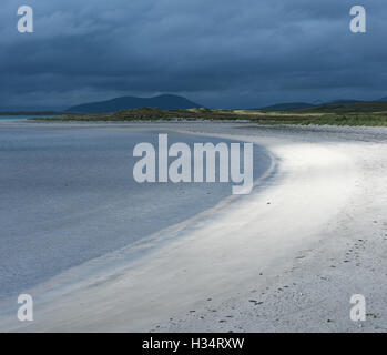 Stormy light on Traigh Lingeigh beach, North Uist, Outer Hebrides, Scotland - Stock Photo