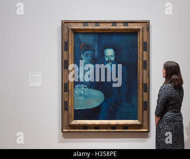 National Portrait Gallery, London, UK. 5th October, 2016. Picasso Portraits, a major exhibition opening at the National - Stock Photo