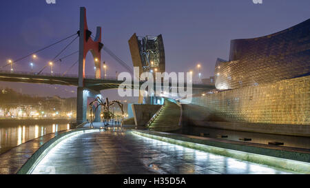 The Fog Sculpture, Maman and the Eye and the Arcos Rojos at the Guggenheim, Bilbao, Biscay, Basque Country, Spain, - Stock Photo