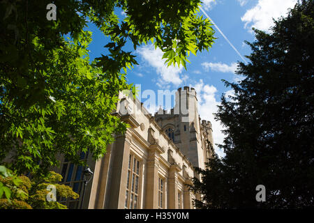The University Of Bristol Gardens And Buildings In The Centre Of The City.    Stock