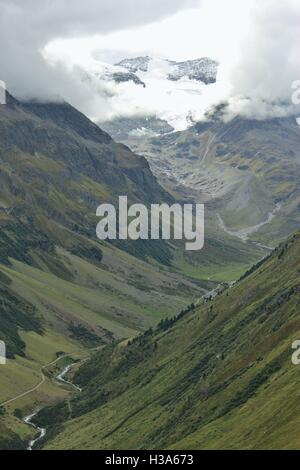 In the Oetztal alps in Tyrol, Austria. View of the Pitztal valley with river Pitze and of the mountains and Pitztal - Stock Photo