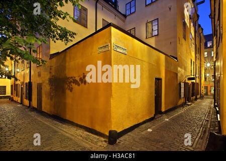 Walking in the picturesque alleys of  Gamla Stan, the 'old town' of Stockholm, Sweden. - Stock Photo