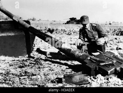 Downed T-34 during fighting in East Prussia, 1944 - Stock Photo