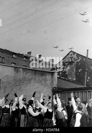 Jubilation in Klaipeda as the German troops march in, 1939 - Stock Photo