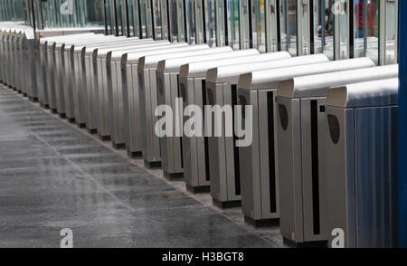 Automated ticket barriers at Gare de l'Est, railway station, Paris, ile-de France, France - Stock Photo