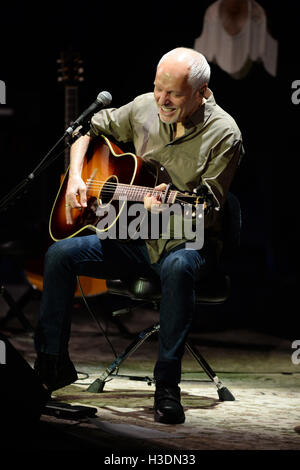 Fort Lauerdale, Florida, USA. 5th October, 2016. Peter Frampton performs at The Parker Playhouse on October 5, 2016 - Stock Photo