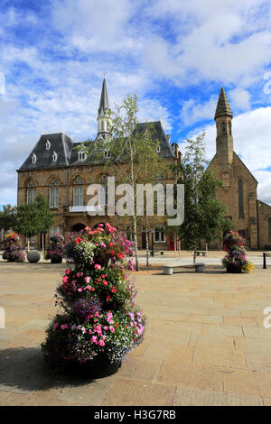 The Town Hall and St Anne's church, Market place, Bishop Auckland town, County Durham, England. - Stock Photo
